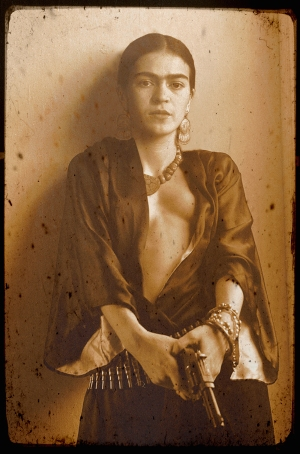 frida kahlo with gun fake