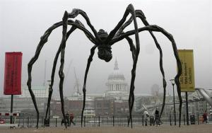 Tate Gallery Maman spider statue